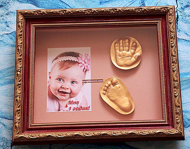 Como impressionar as mãos e os pés de um bebê em casa
